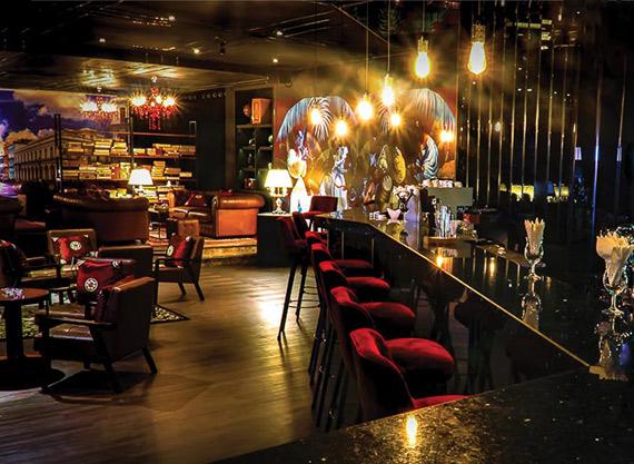 Lounge là gì? Lounge phục vụ đồ ăn đồ uống gì?